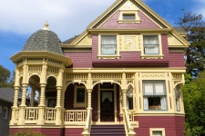 Queen Anne façade restoration